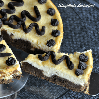 Low Carb Brownie Cheesecake: 2 Low Carb Kuchen in einem!