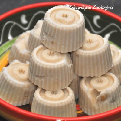 Low Carb Erdnussbutter FroYo Bites – Low Carb Frozen Joghurt aus nur 2 Zutaten