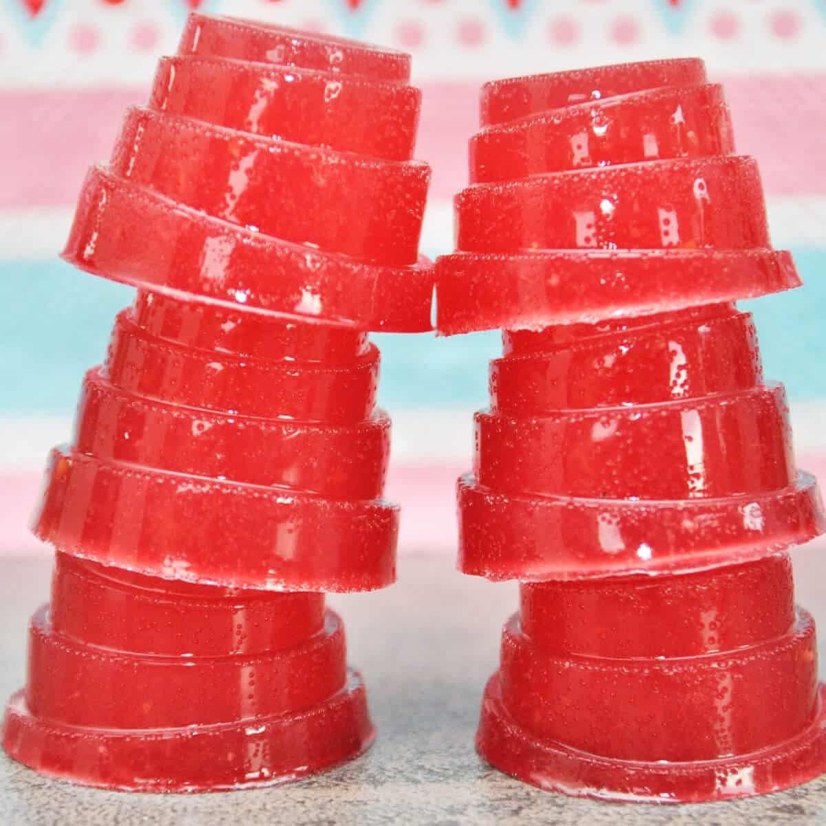 Low Carb Rezepte: Low Carb Gummibärchen bzw. Weingummi ohne Zucker selber machen mit Fiber Sirup, Erythrit und Xucker Light