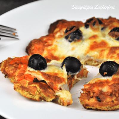 Diese Low Carb Pizzawaffeln sehen nicht nur gut aus, sie schmecken auch so!
