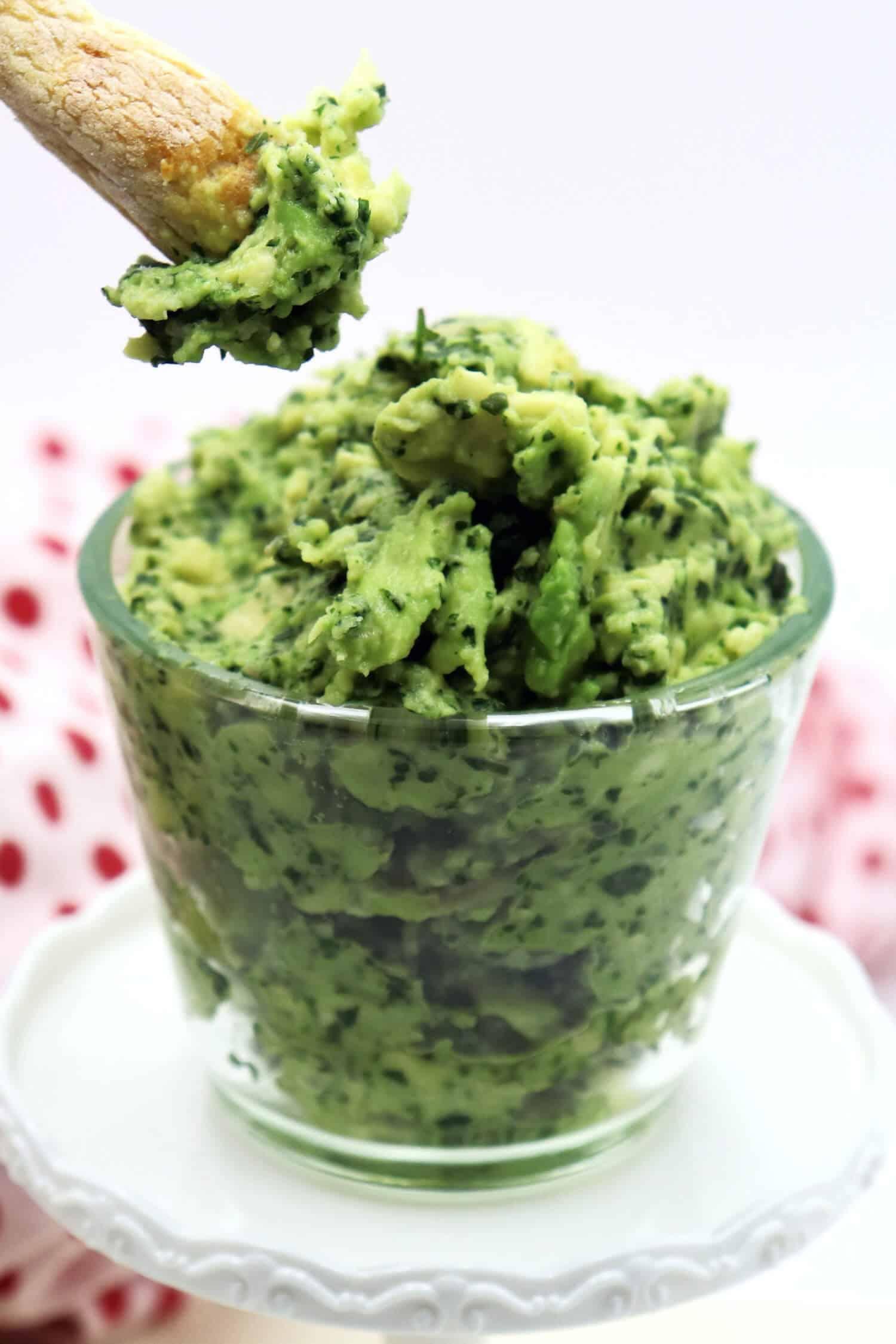 Guacamole einfach und schnell selber machen.