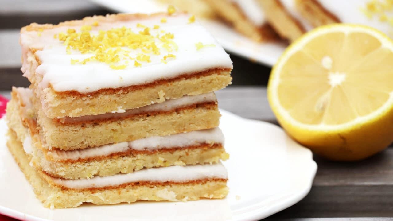 5 Zutaten Low Carb Zitronenkuchen ohne Mehl und Zucker
