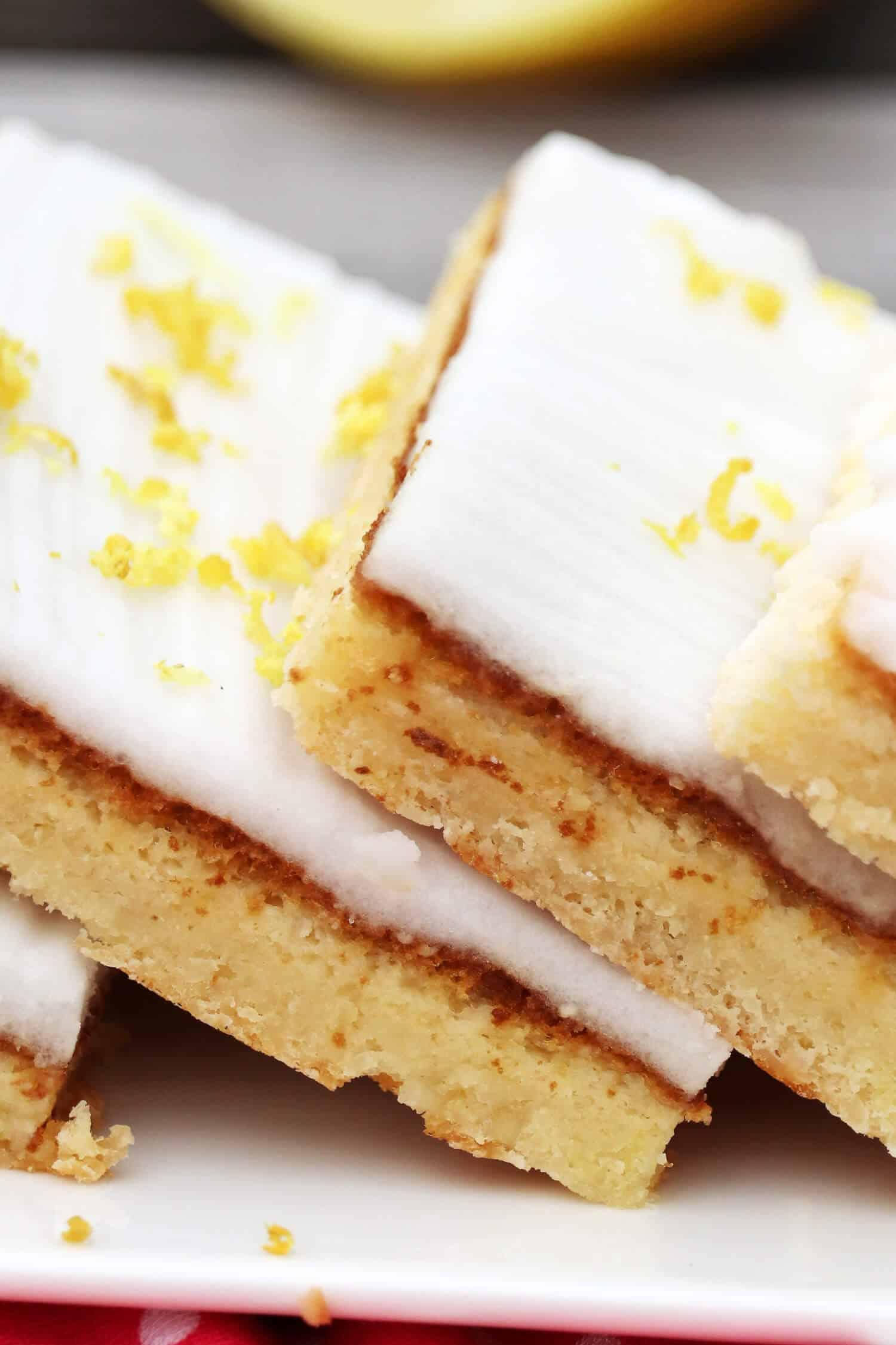 Schneller Low Carb Zitronenkuchen ohne Mehl und Zucker