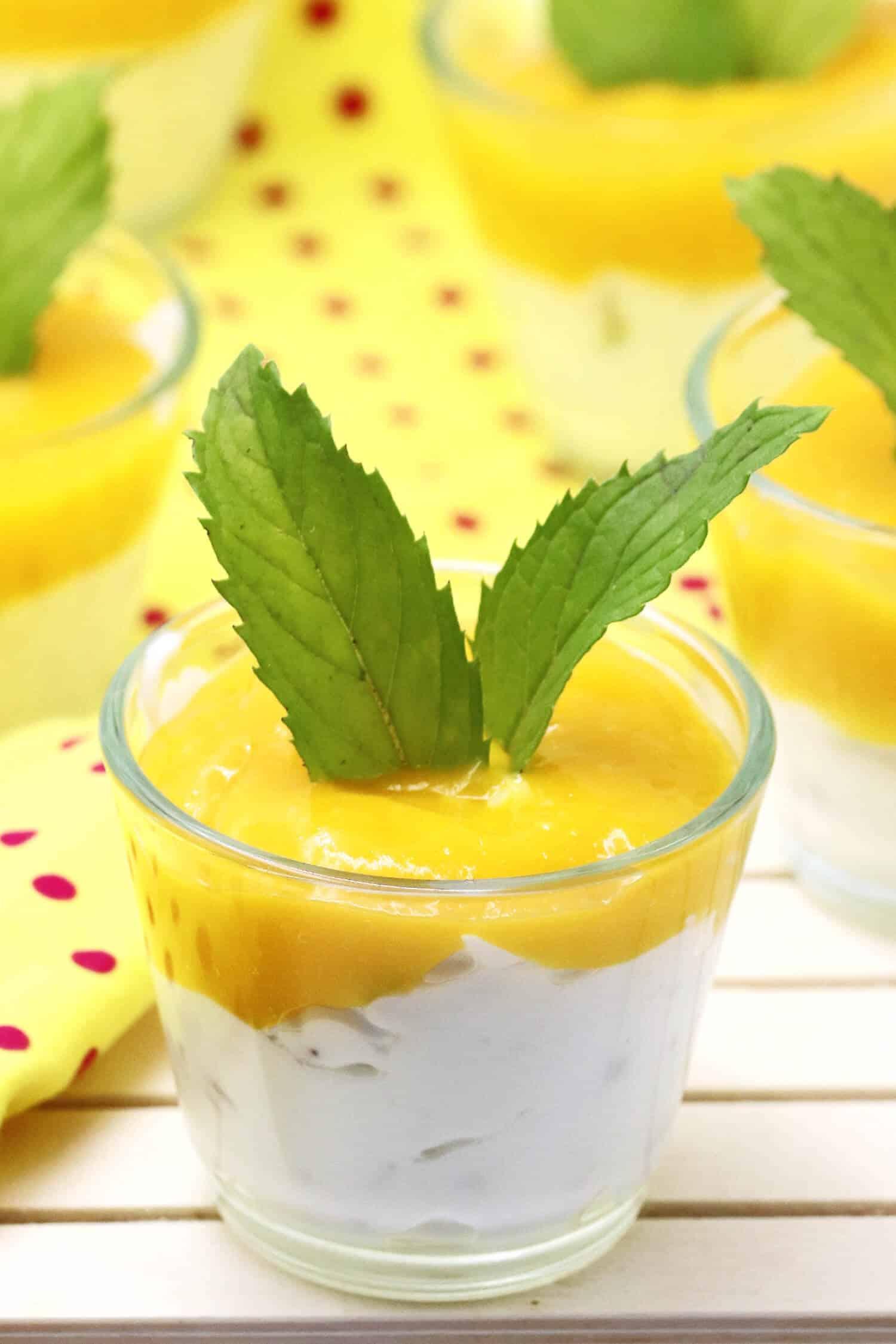 Schnelles Low Carb Dessert Rezept ohne Zucker mit Quark