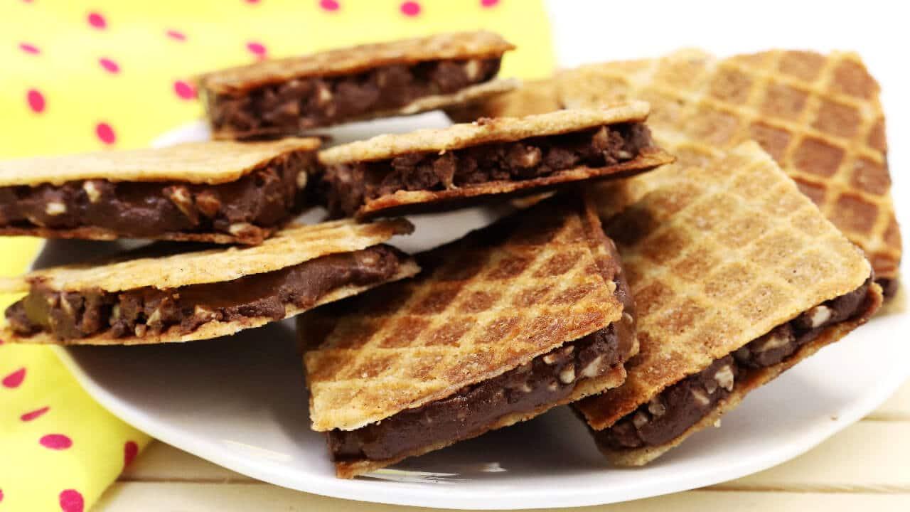 Süßigketen ohne Zucker selber machen: Die Nuss-Nougat Schnitten ohne Zucker sind einfach nur lecker.