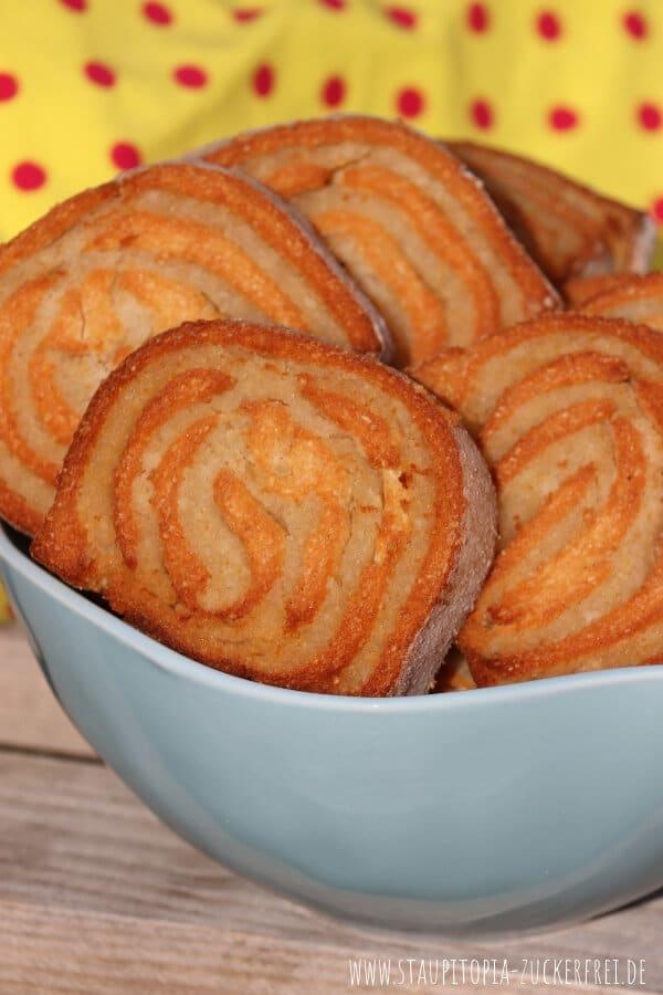 Glutenfreie Plätzchen mit Marzipan backen ohne Zucker.