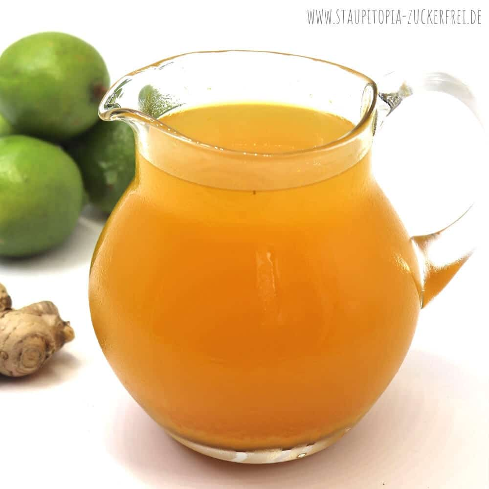 Rezept für eine gesunde Low Carb Limonade mit Ingwer, Zitrone und Kurkuma.