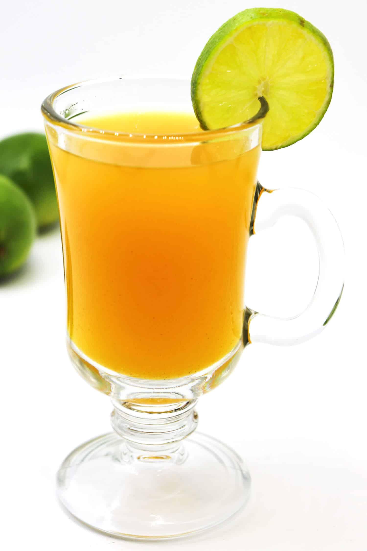 Rezept für gesundes Ingwerwasser mit Zitrone