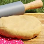 Grundrezept für einen Low Carb Mürbeteig mit gemahlenen Mandeln