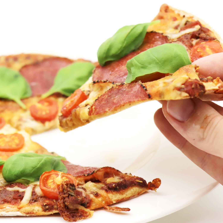 Rezept für eine Low Carb Pizza mit Mandelmehl