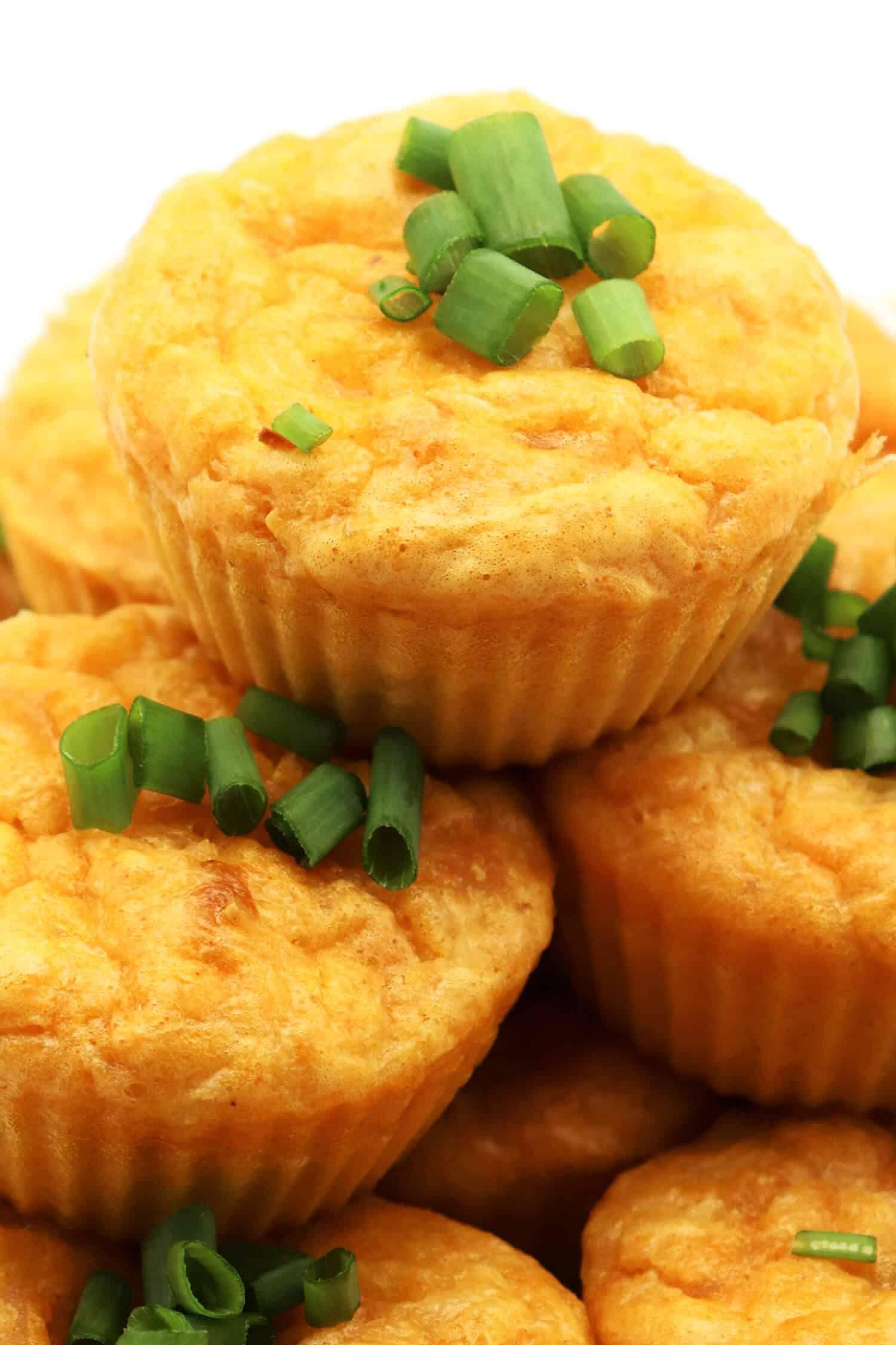 Herzhafte Low Carb Muffins mit Käse und Schinken