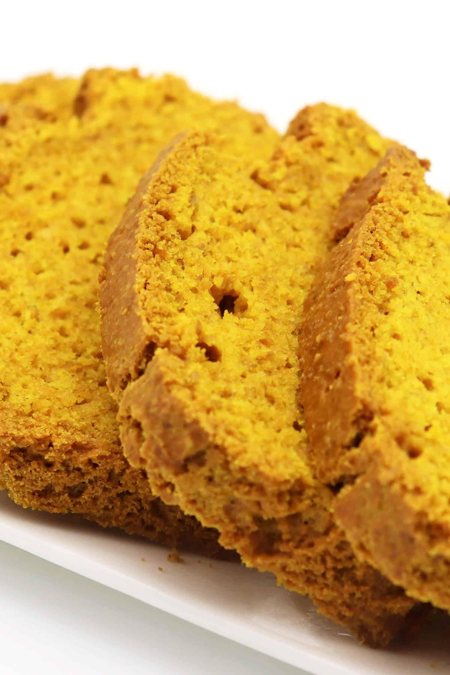Backen mit Kurkuma: Rezept für ein Kurkuma Brot