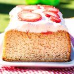 Glutenfreier Erdbeer Rhabarber Kuchen ohne Zucker