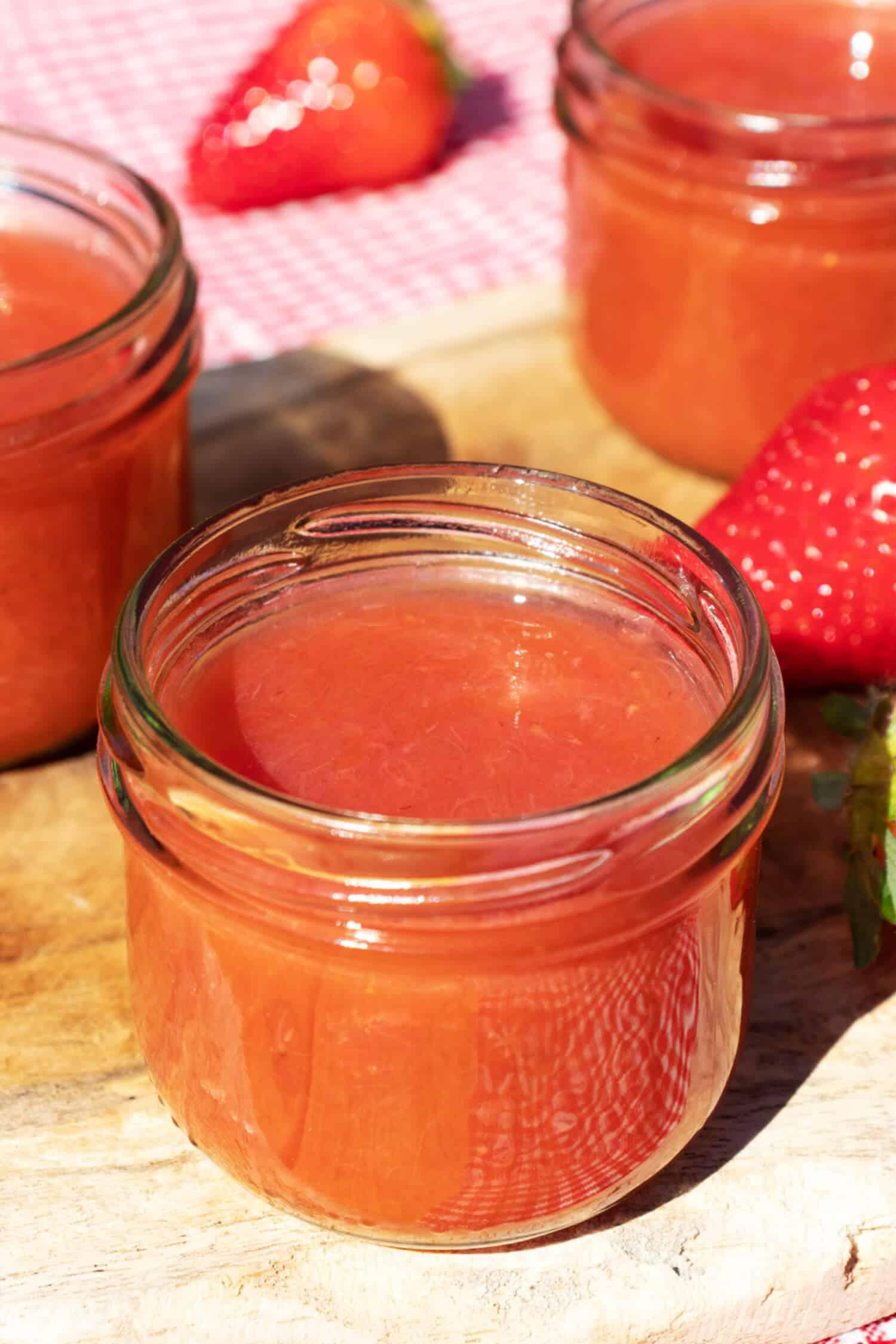 Rezept für Erdbeer Rhabarber Kompott ohne Zucker
