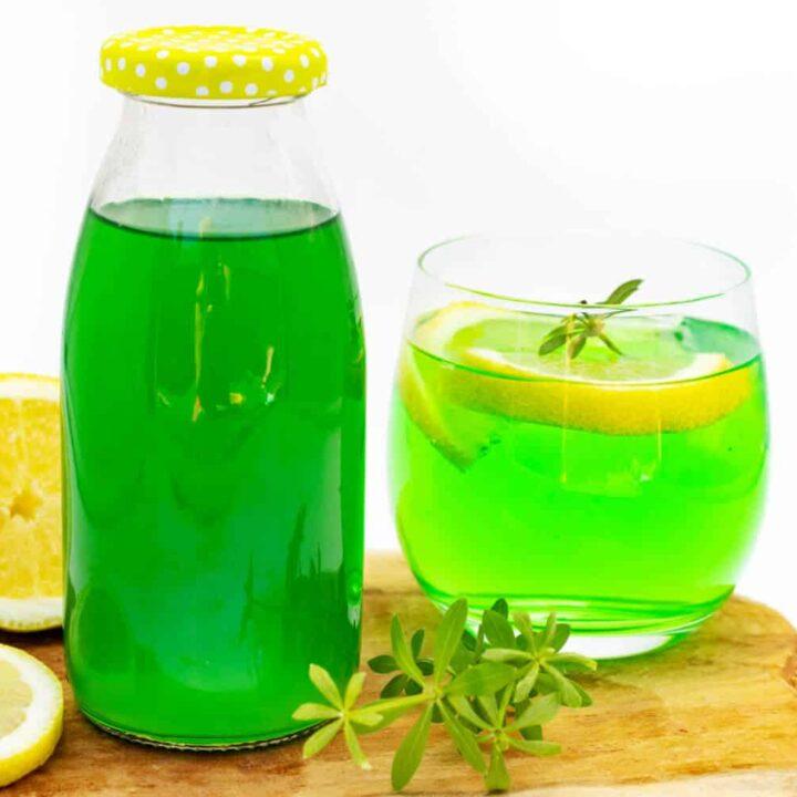 Waldmeistersirup Rezept mit Zitronensäure