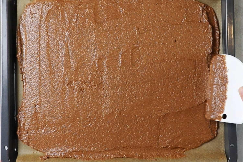 Teig für Low Carb Milchschnitte selber machen
