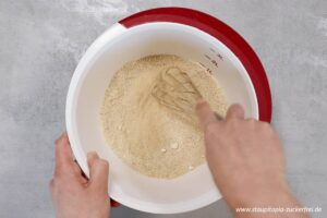 Zubereitung Low Carb Karotten Walnuss Brot Schritt 1