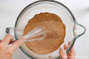 Zubereitung Schokokuchen ohne Zucker Schritt 1