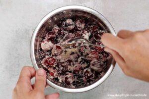 Zubereitung Kirschkuchen ohne Zucker Schritt 2