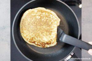 Zubereitung Low Carb Pfannkuchen Schritt 4