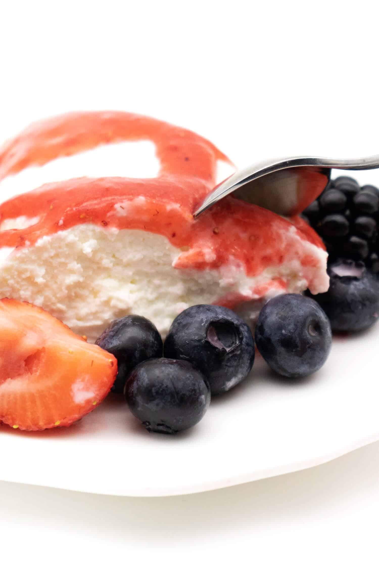 Joghurtbombe - schneller und einfacher Low Carb Nachtisch
